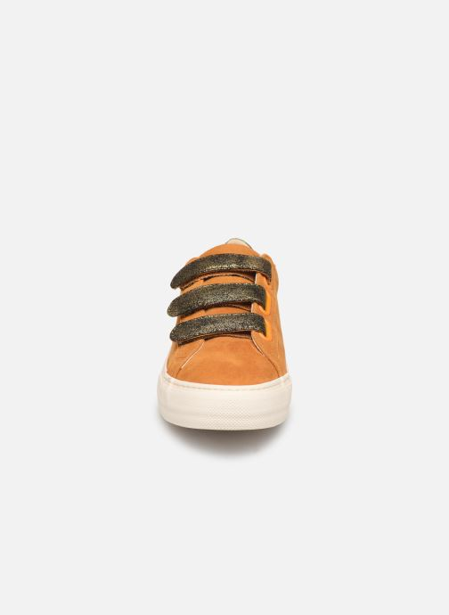 Sneakers No Name Arcade Straps Goat Suede/Hit Gul se skoene på