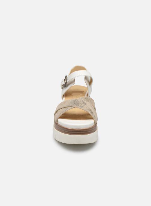 Sandales et nu-pieds Geox D RADWA C D827UC Blanc vue portées chaussures