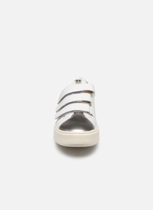 Baskets Geox D NHENBUS C D828DC Blanc vue portées chaussures