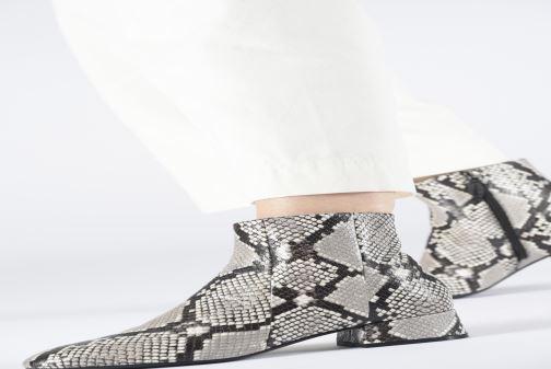 Stiefeletten & Boots Bruno Premi BY1205X grau ansicht von unten / tasche getragen