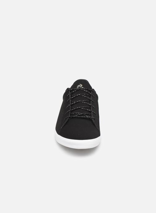 Baskets Le Coq Sportif Agate Nubuck Noir vue portées chaussures