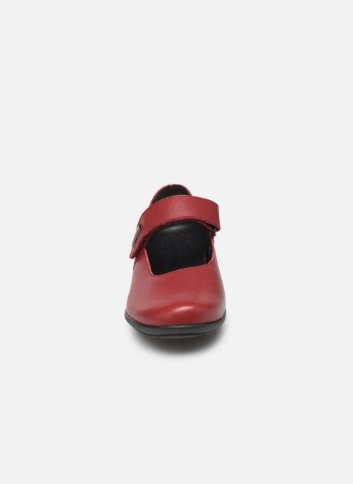 Ballerines Mephisto Nyna Bordeaux vue portées chaussures