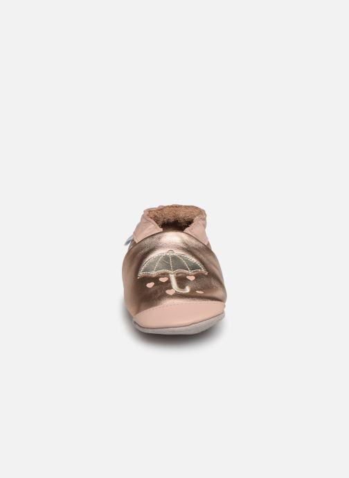 Chaussons Robeez Loving Raing Or et bronze vue portées chaussures