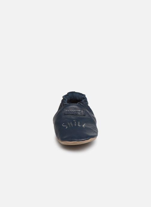 Chaussons Robeez Smiling Bleu vue portées chaussures