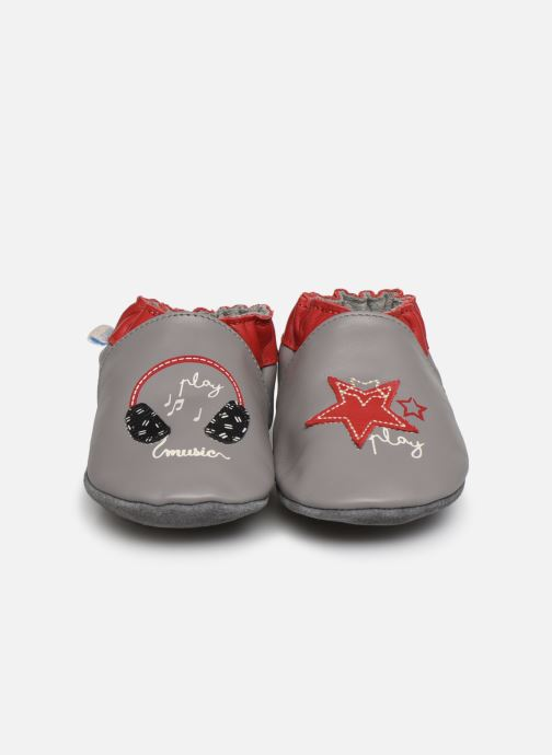 Chaussons Robeez Music Play Gris vue portées chaussures