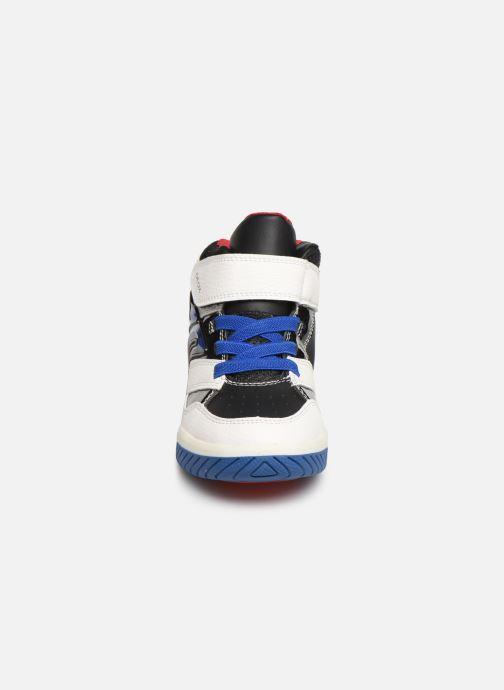 Baskets Geox J Inek Boy J949CC Multicolore vue portées chaussures