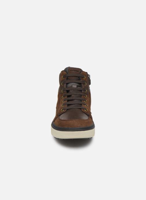 Baskets Geox J Mattias B Boy ABX J940DA Marron vue portées chaussures