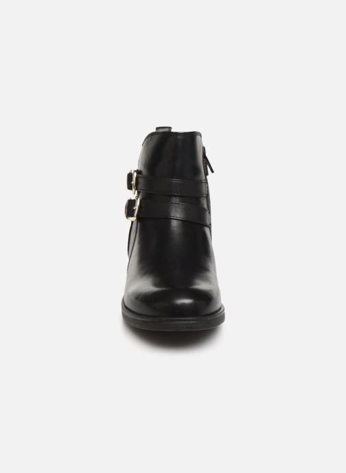 Bottines et boots Geox JR Agata J9449A Noir vue portées chaussures