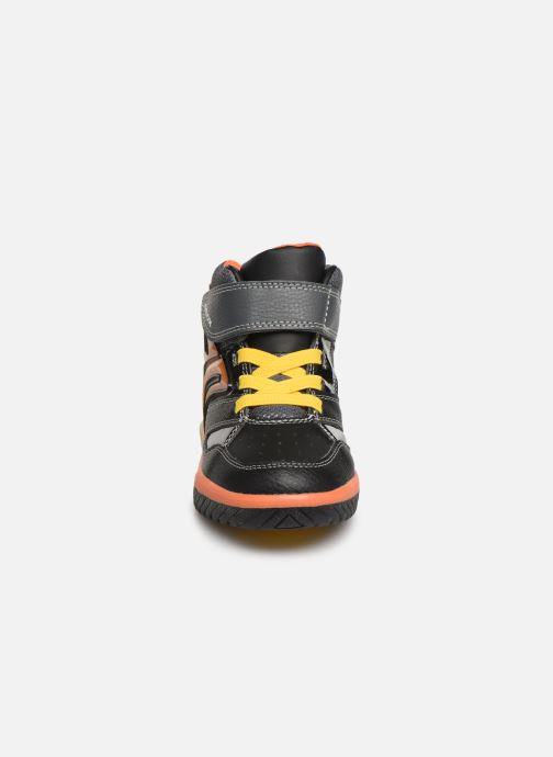 Sneakers Geox J Inek Boy J949CC Zwart model