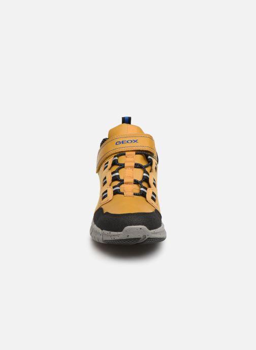 Baskets Geox J Flexyper Boy B Abx J949XA Jaune vue portées chaussures
