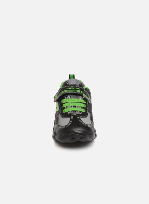 Baskets Geox JR Munfrey Boy J944BA Noir vue portées chaussures