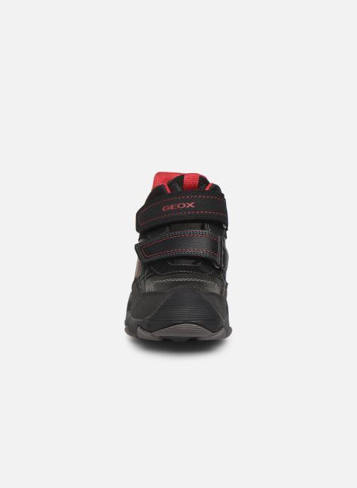 Chaussures de sport Geox J Buller Boy B Abx J949WE Noir vue portées chaussures