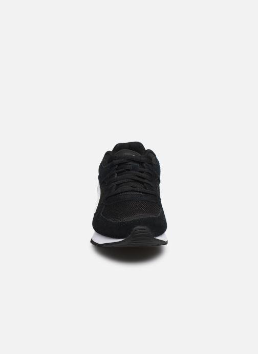 Baskets Puma Vista Noir vue portées chaussures