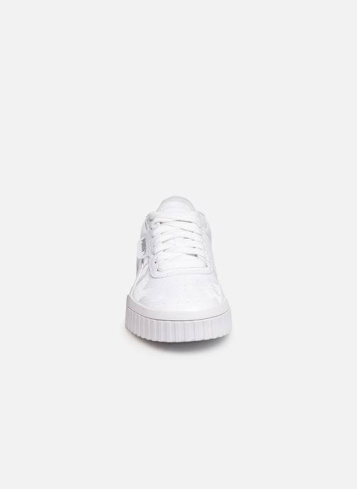 Baskets Puma Cali Patent Blanc vue portées chaussures