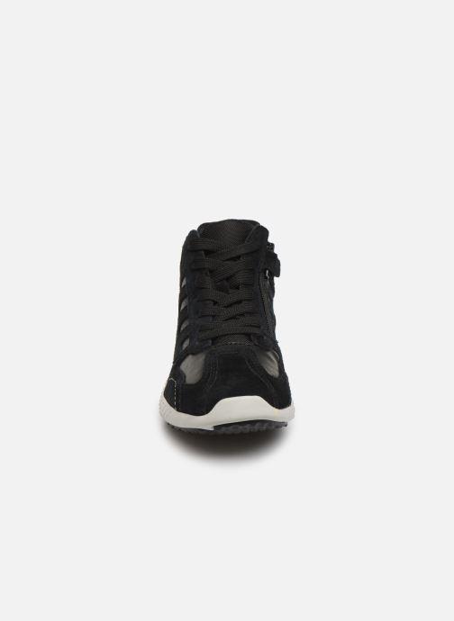 Sneakers Geox J Snake.2 Boy J94ABB Nero modello indossato