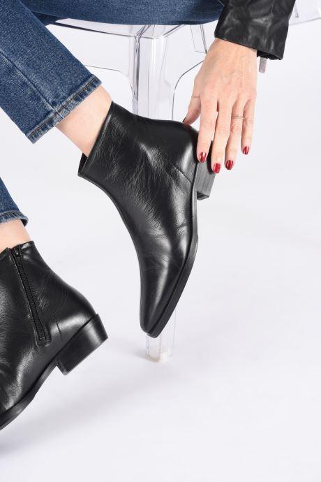 Stiefeletten & Boots Another Project Elly C schwarz ansicht von unten / tasche getragen