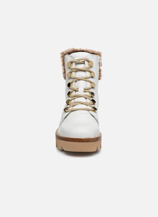 Bottines et boots Gabor Hiki Blanc vue portées chaussures