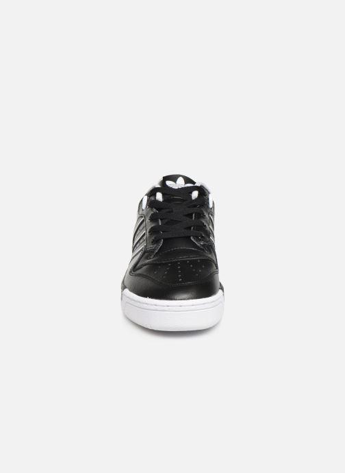 Baskets adidas originals Rivalry Low J Noir vue portées chaussures