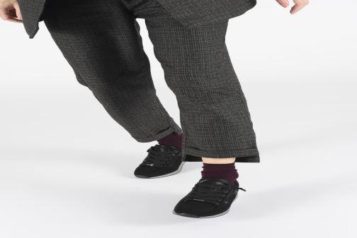 Sneaker Ara Fusion4 44060 schwarz ansicht von unten / tasche getragen
