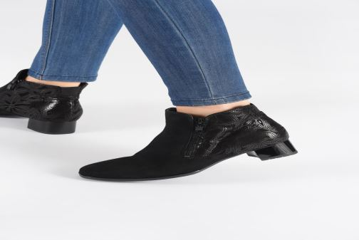 Ankle boots Ara Graz 11837 Black view from underneath / model view