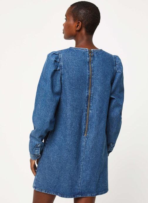 Vêtements Free People SELF CONTROL DENIM MINI Bleu vue portées chaussures