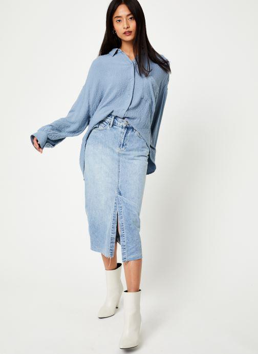Vêtements Free People SOLID HIDDEN VALLEY BUTTONDOWN Bleu vue bas / vue portée sac