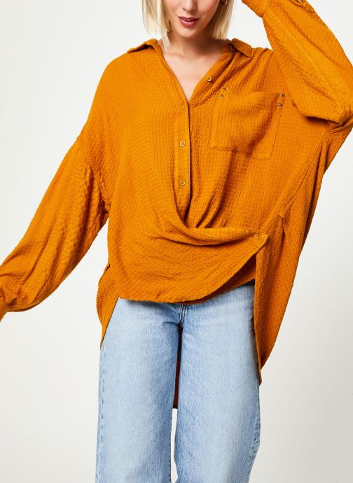 Vêtements Free People SOLID HIDDEN VALLEY BUTTONDOWN Jaune vue droite