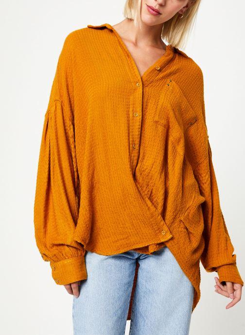 Vêtements Free People SOLID HIDDEN VALLEY BUTTONDOWN Jaune vue détail/paire