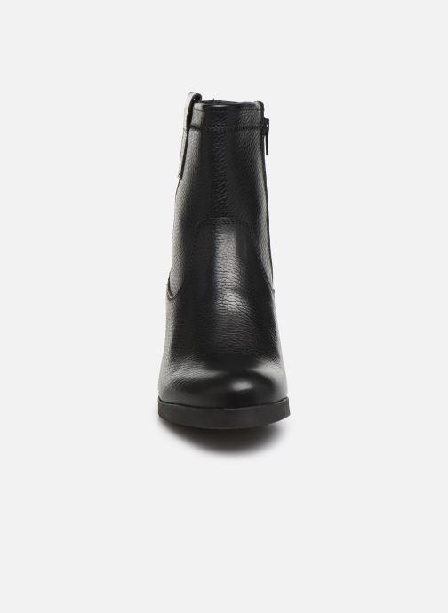 Bottines et boots Bullboxer 490M90281 Noir vue portées chaussures