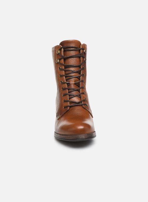 Bottines et boots Bullboxer 490M80302 Marron vue portées chaussures