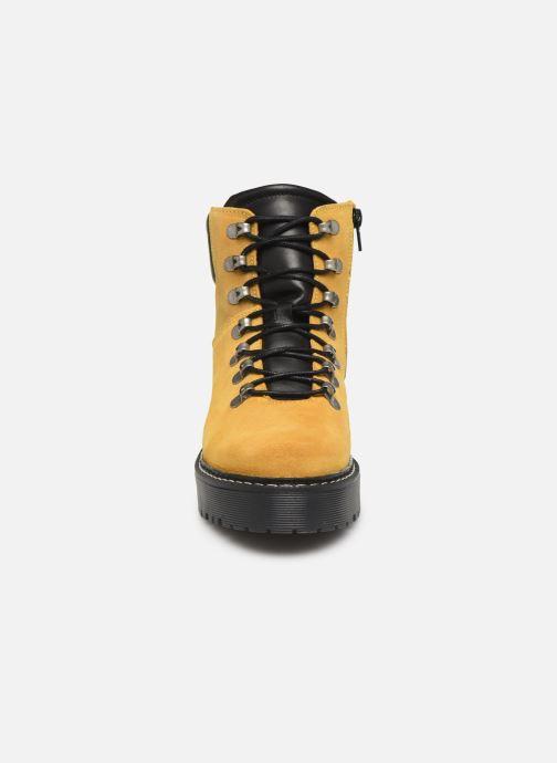 Stiefeletten & Boots Bullboxer 364501E6C gelb schuhe getragen