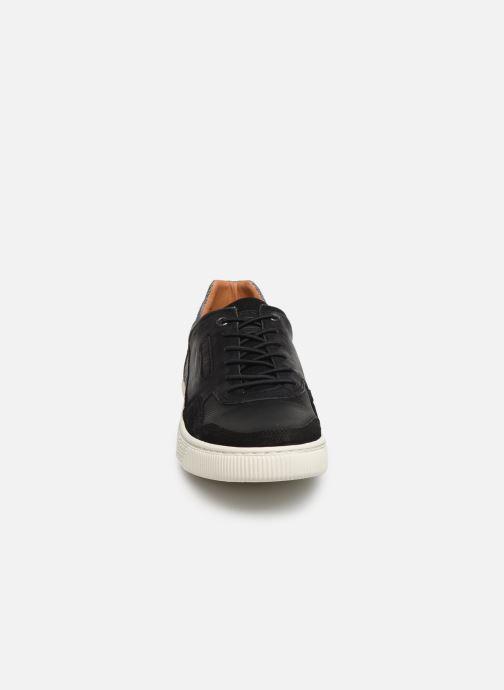 Baskets Bullboxer BRAD Noir vue portées chaussures