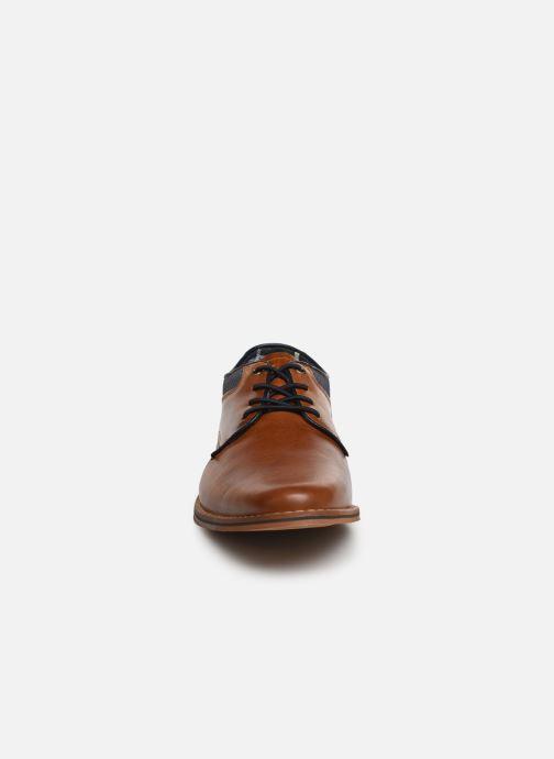 Zapatos con cordones Bullboxer JONAS2 Marrón vista del modelo