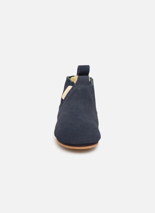 Hausschuhe Boumy Monzi blau schuhe getragen