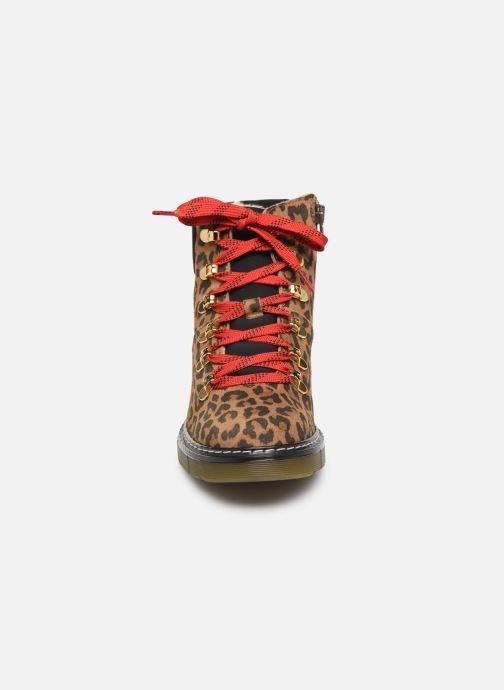 Bottines et boots Bullboxer AHC522E6C Marron vue portées chaussures