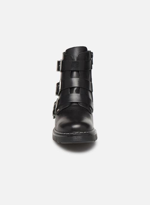 Stiefeletten & Boots Bullboxer AHC520E6L schwarz schuhe getragen