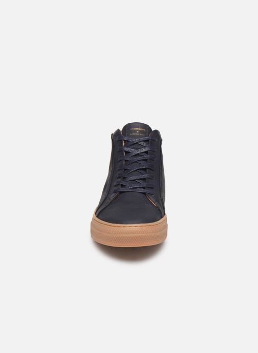 Baskets Schmoove Spark Mid Nubuck Bleu vue portées chaussures