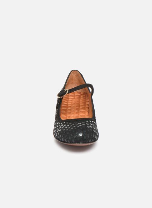 Zapatos de tacón Chie Mihara Urba Azul vista del modelo
