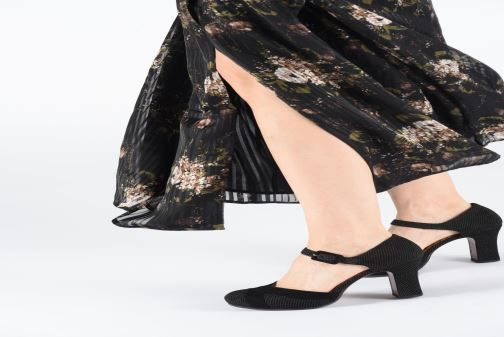 High heels Chie Mihara Dara Black view from underneath / model view