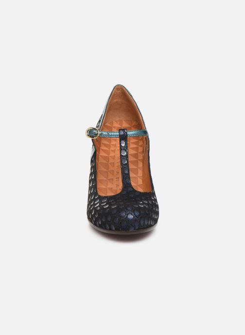 Zapatos de tacón Chie Mihara Krom Azul vista del modelo