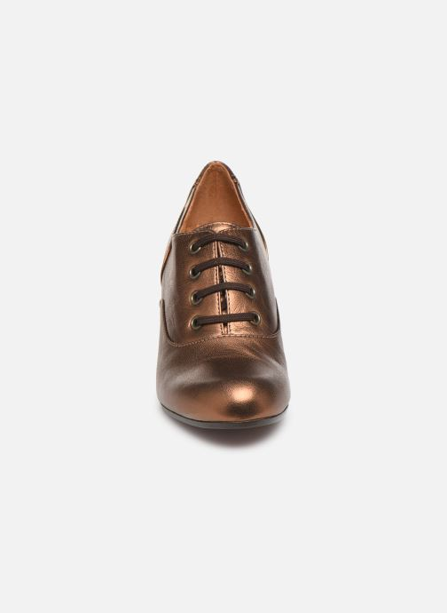 Zapatos con cordones Chie Mihara Musai Oro y bronce vista del modelo