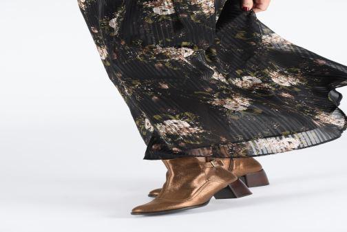Bottines et boots Chie Mihara OR Omayo35 Or et bronze vue bas / vue portée sac