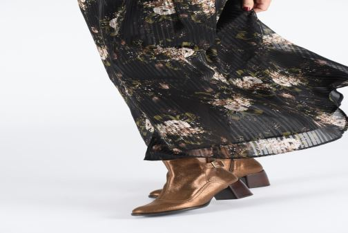 Ankle boots Chie Mihara OR Omayo35 Bronze and Gold view from underneath / model view