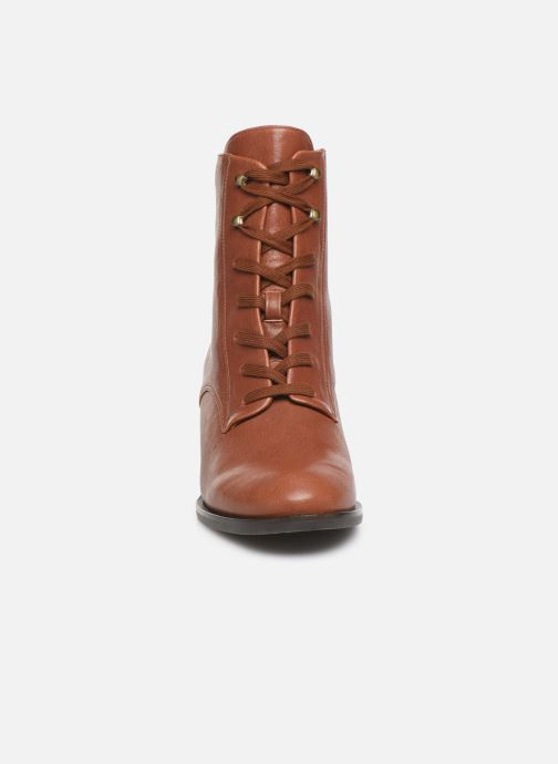 Ankle boots Chie Mihara OR Omast Brown model view