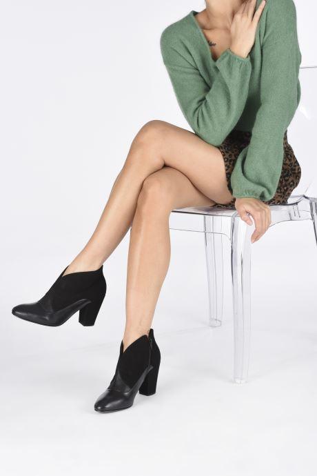Bottines et boots Chie Mihara Elgi Noir vue bas / vue portée sac