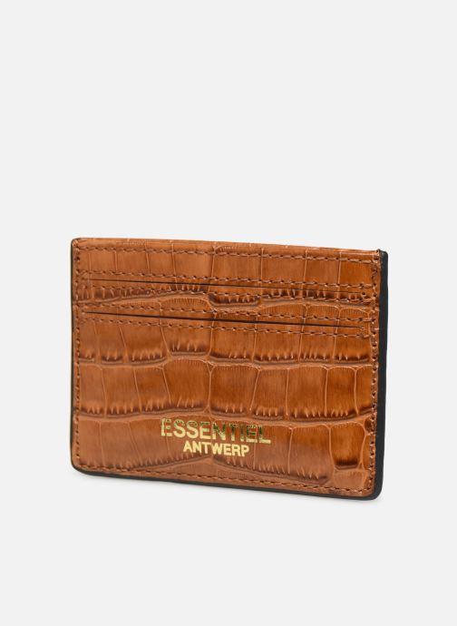 Petite Maroquinerie Essentiel Antwerp Tehrani wallet Marron vue portées chaussures