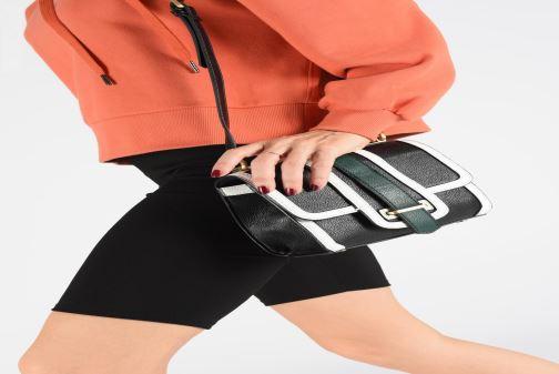 Sacs à main Essentiel Antwerp Trevor small handbag Noir vue bas / vue portée sac
