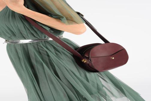 Handtaschen Herbert Frère Soeur GIGI weinrot ansicht von unten / tasche getragen