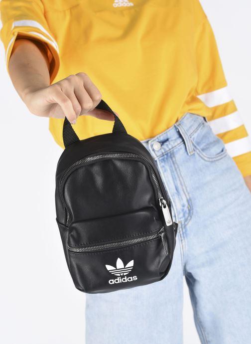 Sacs à dos adidas originals BP MINI PU Noir vue bas / vue portée sac