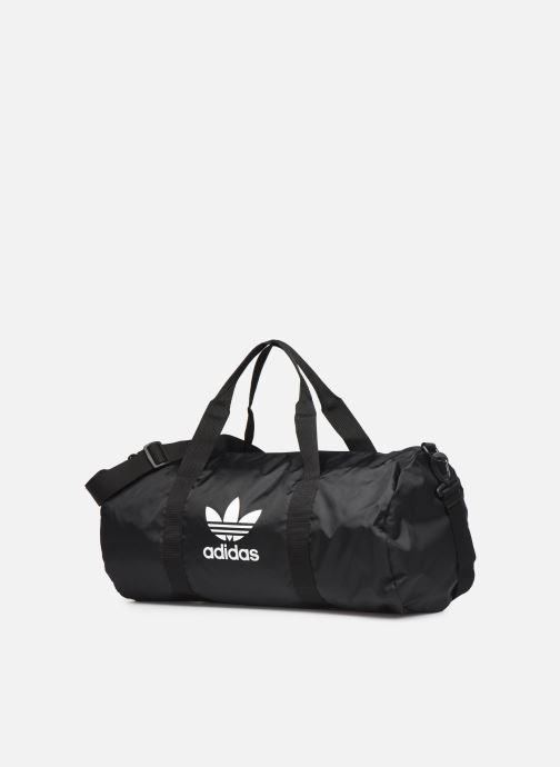 Sporttaschen adidas originals AC DUFFLE schwarz schuhe getragen